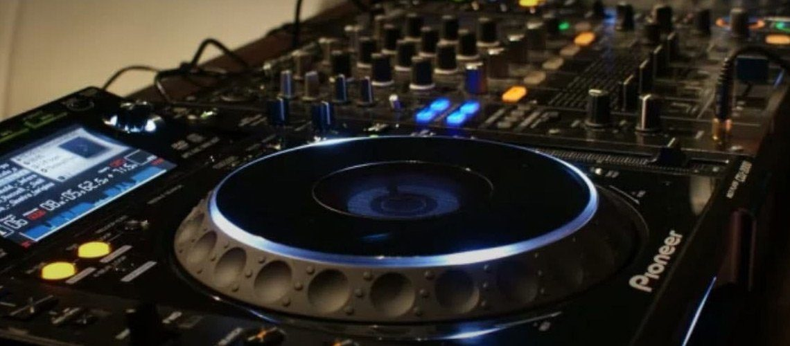 magnetic-mag-become-a-pro-at-using-cdjs-with-groove-BANNER